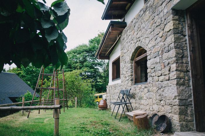 憧れの『石積みの家と緑の庭』へ