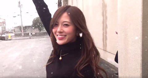 【乃木坂46】動画『雪と戯れる白石麻衣』ただの携帯撮りがMVクオリティになる女
