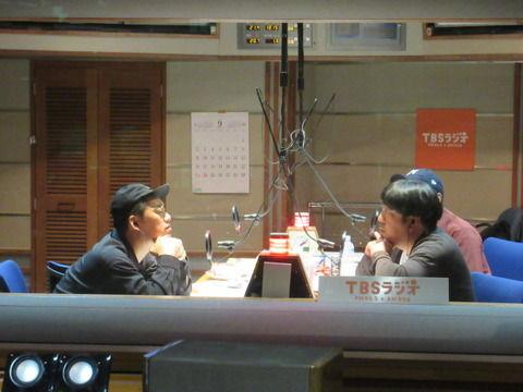 【乃木坂46】バナナマン、ラジオで西野七瀬卒業について語る!『西野はまだ卒業しないと思ってた、何でなんだろう・・・』