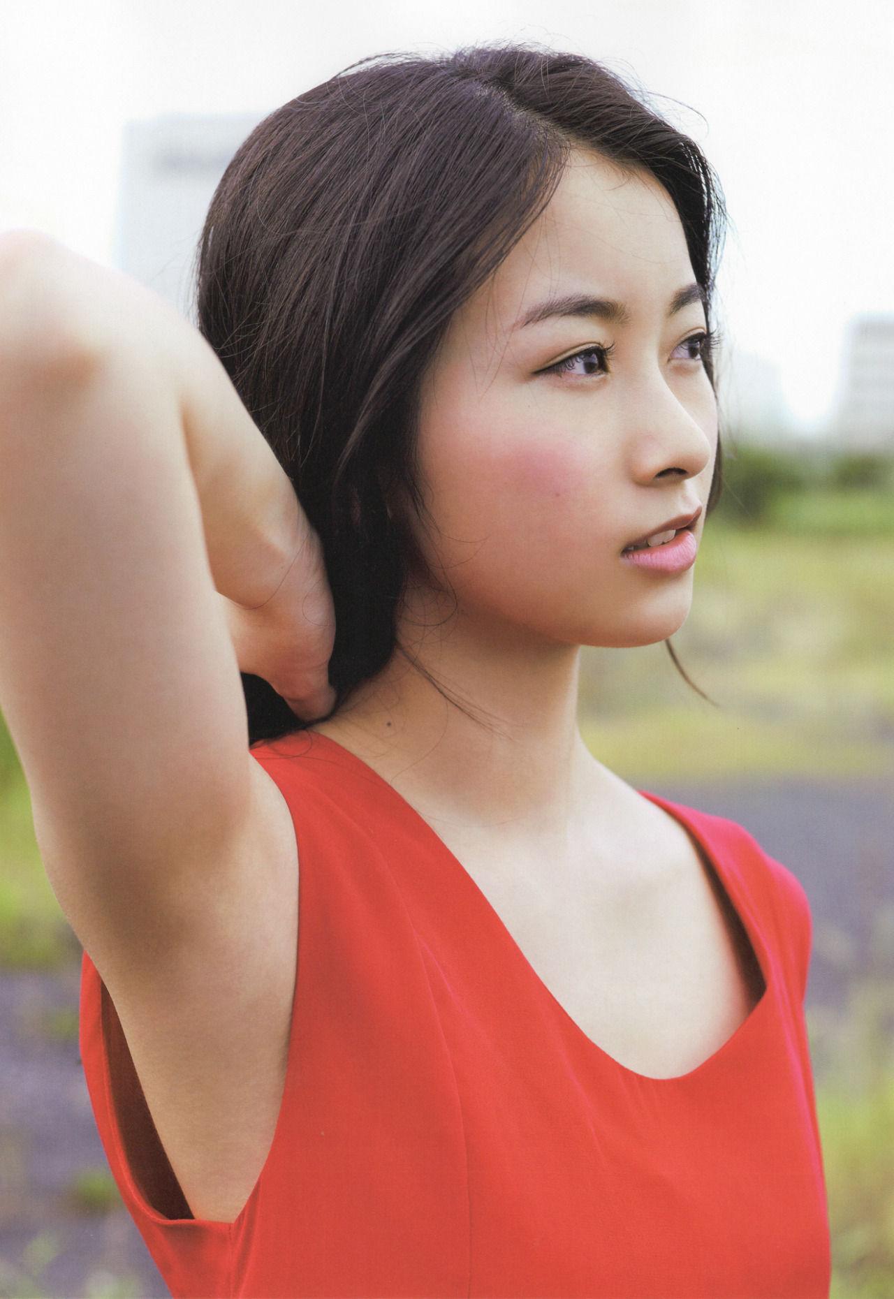 佐々木琴子の色っぽい画像