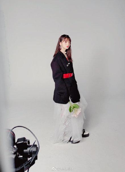 【乃木坂46】美しい・・・齋藤飛鳥、上海での雑誌グラビアショットがこちら!!!