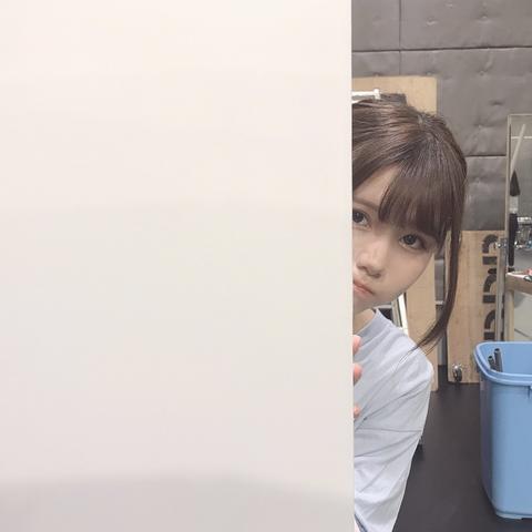 【乃木坂46】あざとすぎるw 伊藤理々杏がじーっとこっちを見ている・・・
