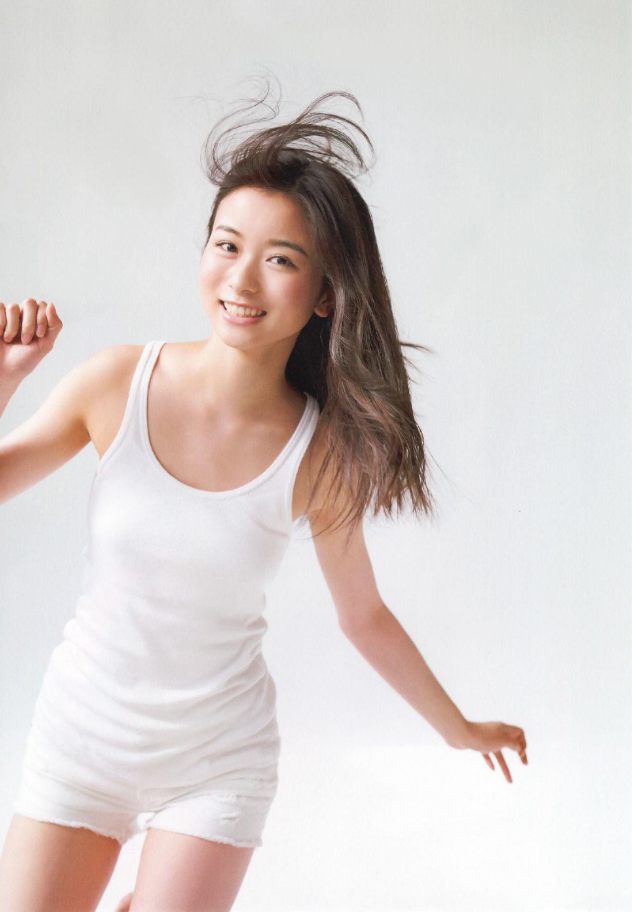佐々木琴子のグラビア画像