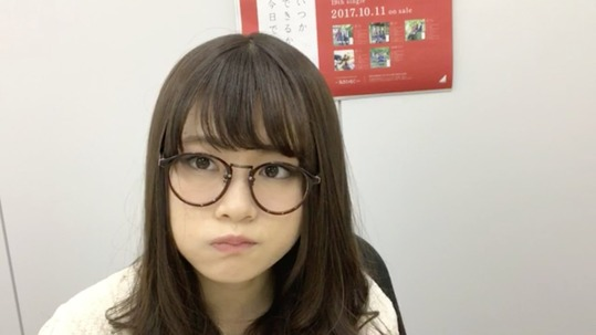 【乃木坂46】メガネがお似合い!山崎怜奈『SHOWROOM』