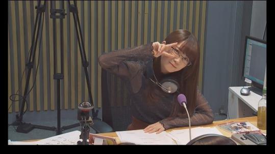 【乃木坂46】メガネもお似合い!「秋元真夏」ANNお疲れ様!