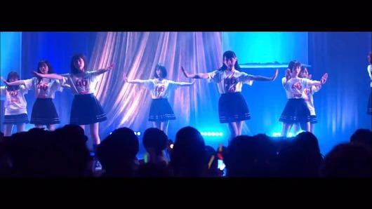 【乃木坂46】「ライブ神」MVの貼り紙を解読!よく見つけたな!!