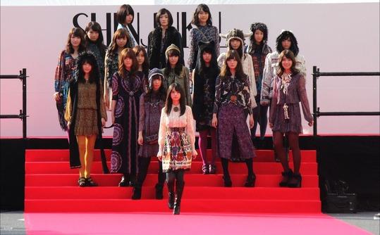 【乃木坂46】ランウェイを歩く『モデル齋藤飛鳥』の写真!どれが1番好き?