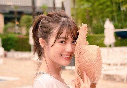 【生田絵梨花】表紙にいくちゃんの太ももきたぁぁぁ!け、けしからんwwwwwww