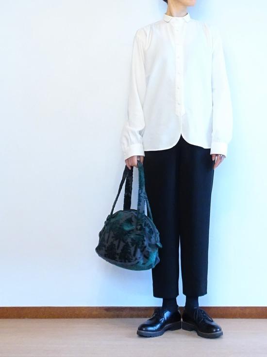 ミルク色のアンティークシャツ&テパード黒 (2)