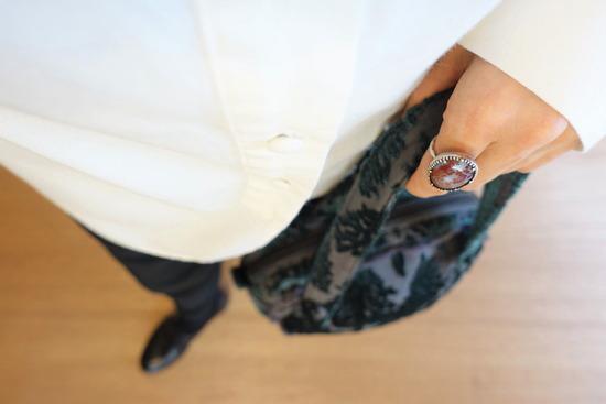 ミルク色のアンティークシャツ&テパード黒 (3)