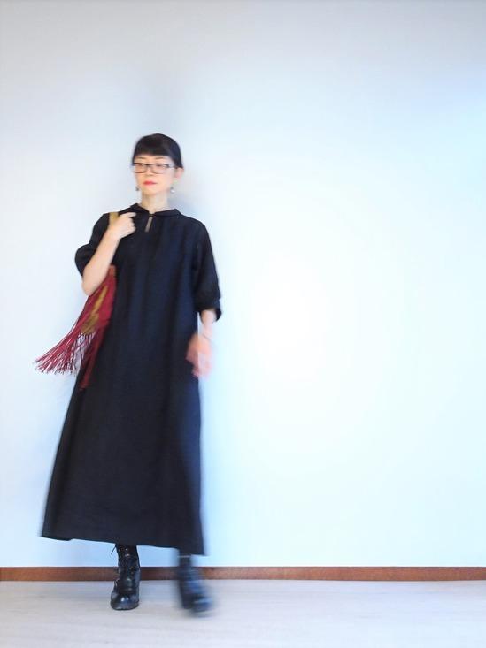 黒いリネンワンピース&JAMINフリンジ (5)