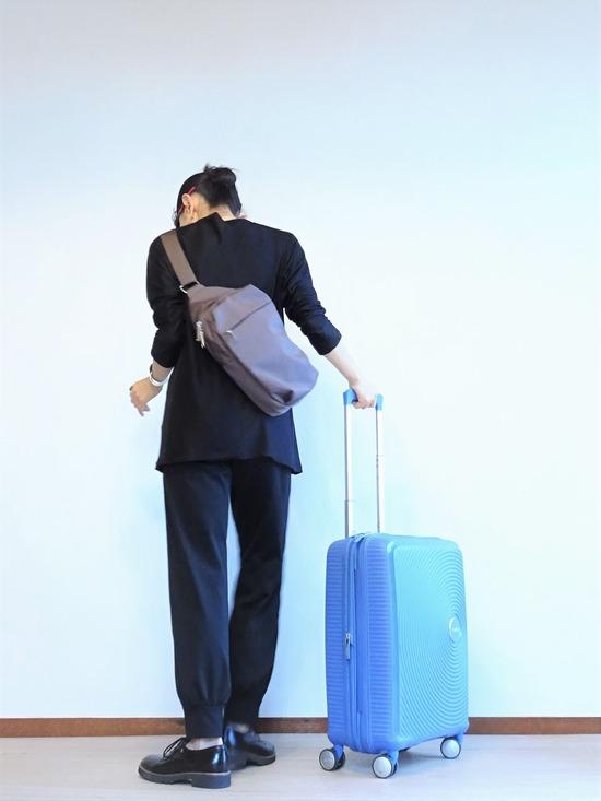 黒黒もじもじくん&水色のスーツケース (3)