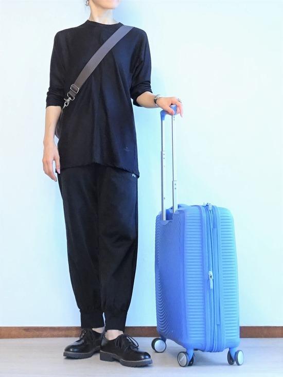 黒黒もじもじくん&水色のスーツケース (2)