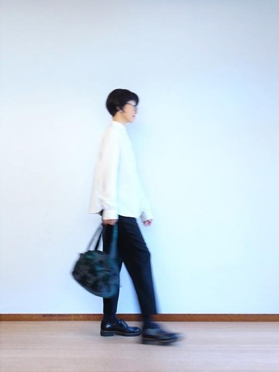 ミルク色のアンティークシャツ&テパード黒 (4)