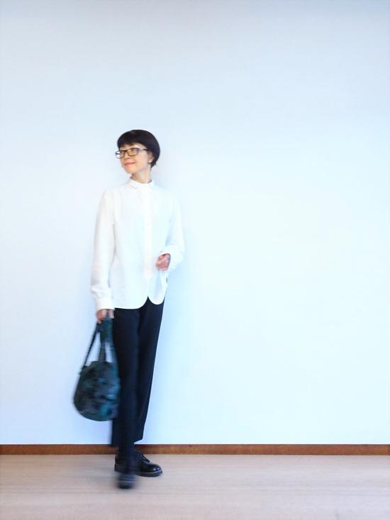 ミルク色のアンティークシャツ&テパード黒 (1)