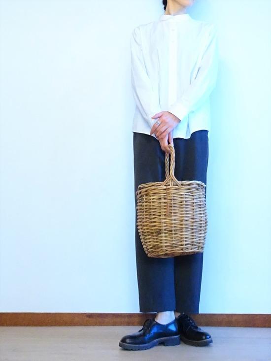 丸襟白シャツ&ツイードイージーパンツ (3)