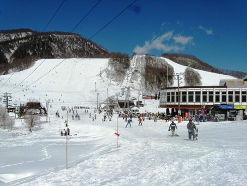 スキー場は大賑わい!(サンナル...