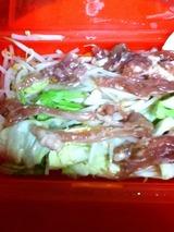 野菜炒め後のせ肉