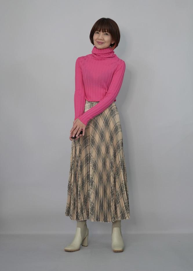 LOANAの最高のタートルネックニットセーター♪