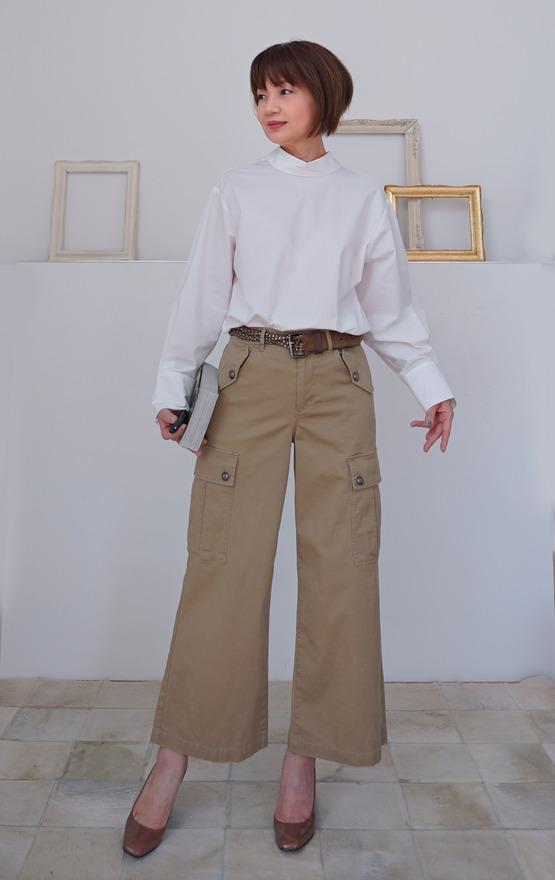 パンツ 白シャツ