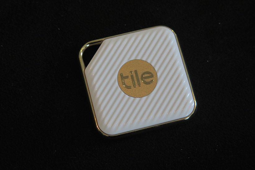 ↑コンパクトでエレガントなデザインの「TILE STYLE」(3980円)