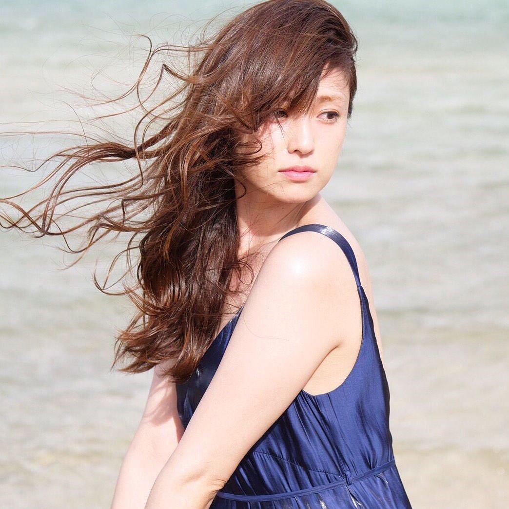【芸能】アラフォーなんて思えない! 深田恭子に驚嘆の声殺到!>「20年間全盛期の化け物」「年重ね、かわいい」