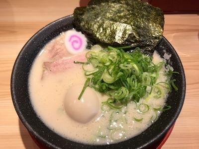 【熟成とんこつラーメン 一番軒】贅沢白豚骨ラーメンが美味しかった!
