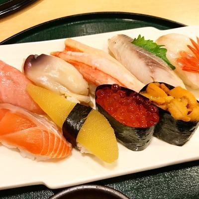 【よし寿司】なかなか美味しかった!最後の食事は空港内のお寿司屋さんへ [北海道2017 秋 vol.17]
