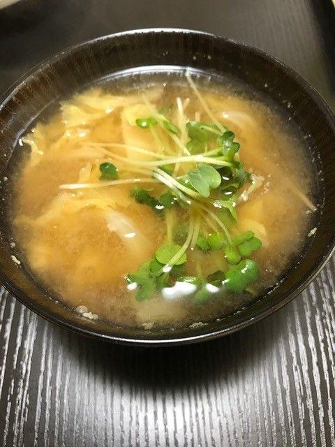 白菜 カイワレの味噌汁