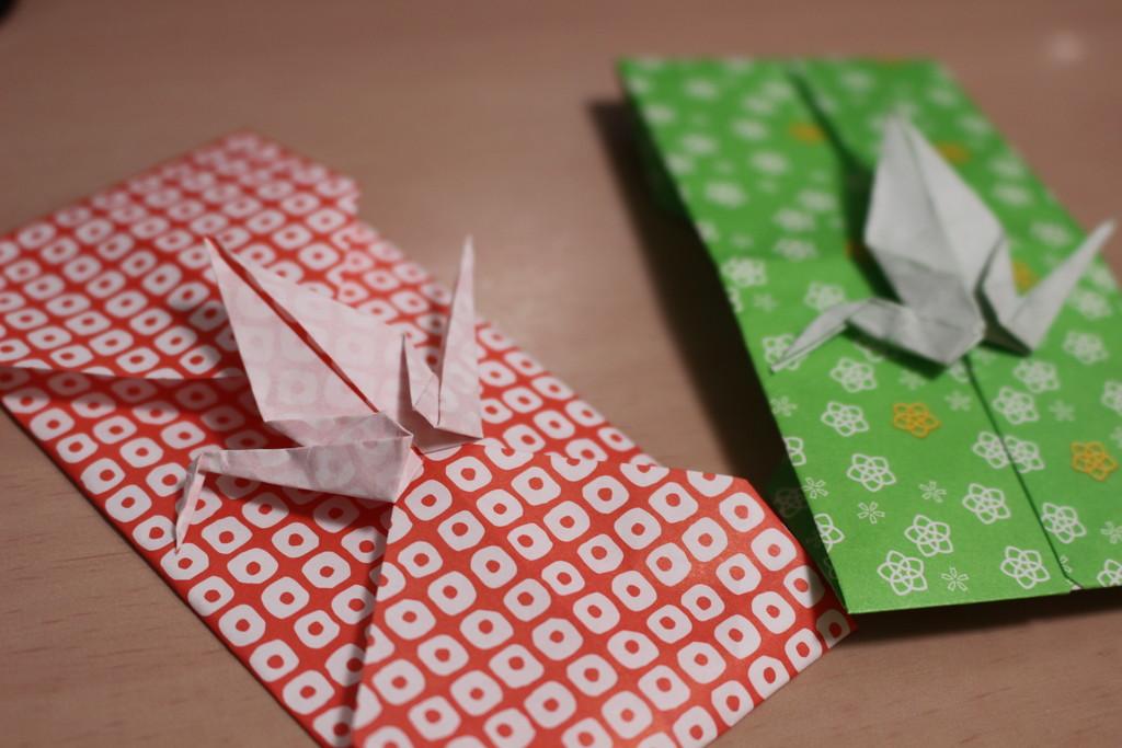 すべての折り紙 カメラの作り方 折り紙 : 100均千代紙でお正月飾り♪和の ...