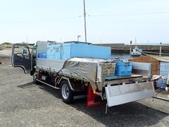 漁協のトラック