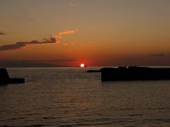 夕日を運ぶタンカー