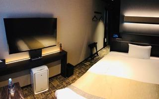 ビジネスホテルのような部屋にしたったから見てくれwwww
