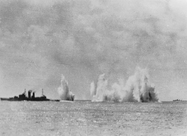 Battle_of_Java_Sea_-_HMS_Exeter_under_Attack