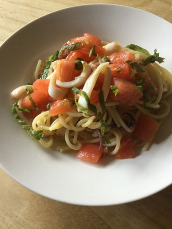 トマトとイカのスパゲティ