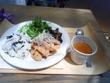ひじきご飯と鶏肉つくねのランチ