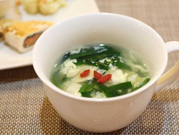 ニラと豆腐とたまごのスープ