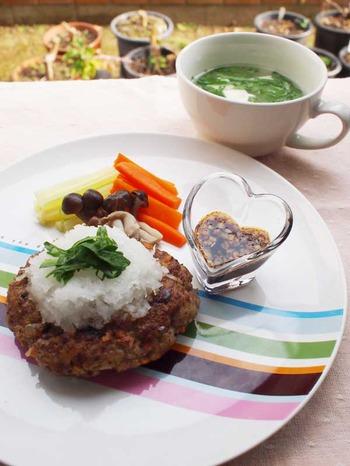 セロリのおろしハンバーグ&豆腐とセロリの葉のスープ