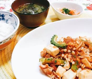 ゴーヤと豆腐のトマトソース煮