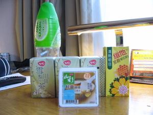 ジュースと豆腐