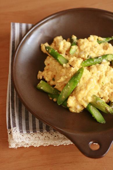 アスパラとろとろ卵で朝ごはんとお知らせ