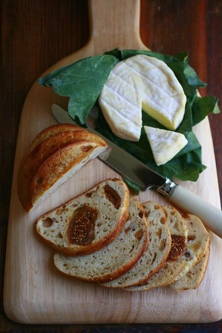おいしいパンとおいしいチーズ