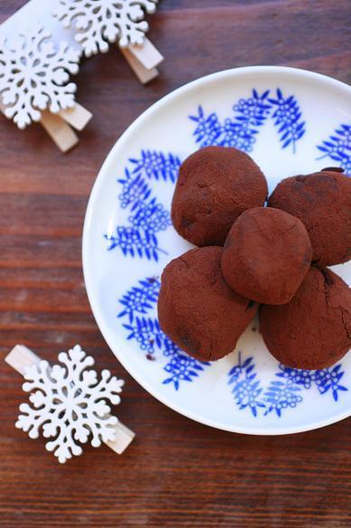 レンジで簡単生チョコガナッシュとか。
