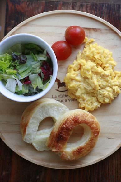 朝食プレートと筍の煮物