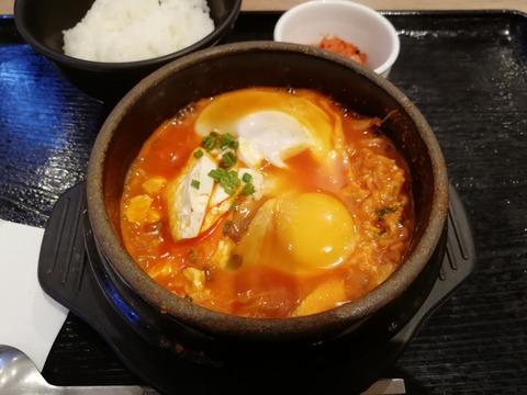 東京純豆腐のスンドゥブ