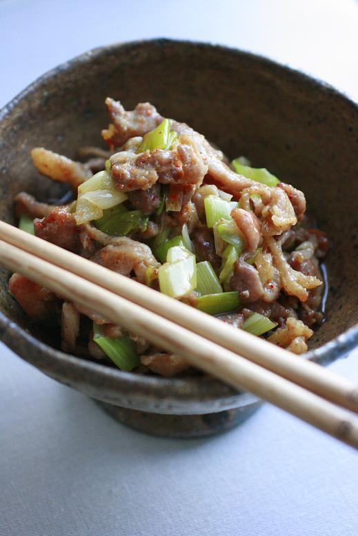 セセリと葱のピリ辛炒め