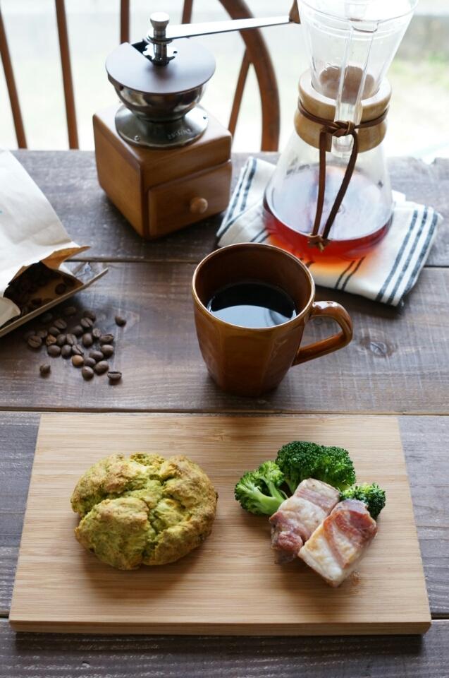 抹茶スコーンの朝ごはん
