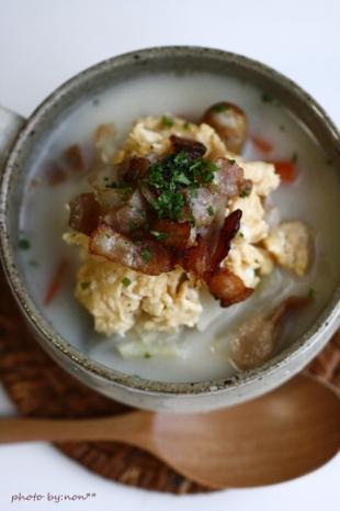 ベーコンエッグのミルクスープと理想の朝食