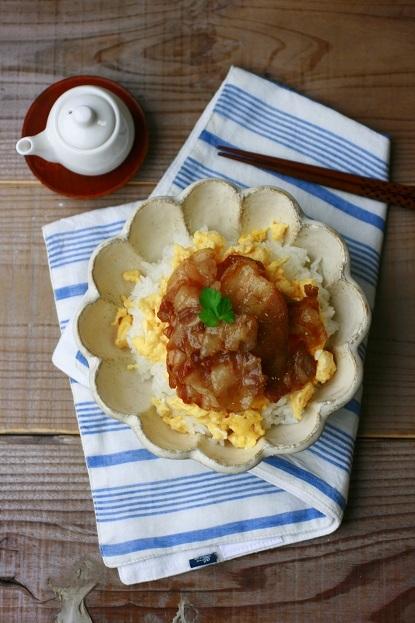 いり卵と甘辛豚の丼(ワンボウル)