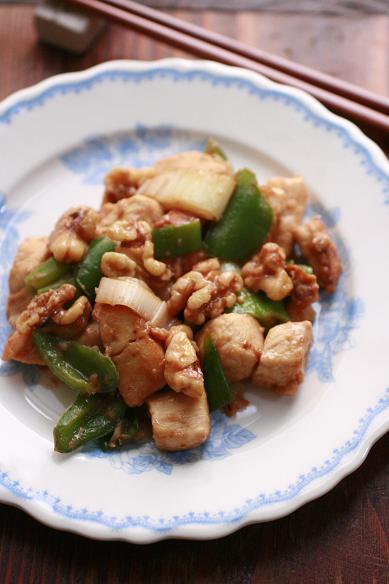 鶏のカシューナッツ炒め もとい 胡桃炒め
